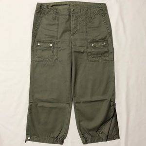Gap Olive Green Zip/Snap Hem Capri Pants - Size 10